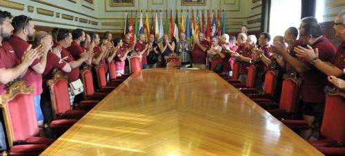 El grupo canario 'Tigaray' recibe el reconocimiento del Ayuntamiento