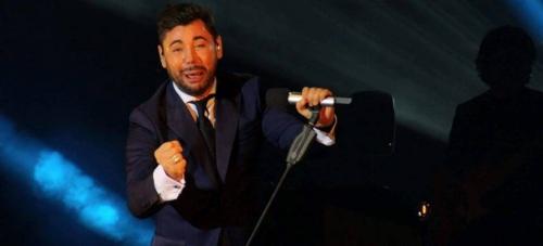 Emotivo concierto de Miguel Poveda en Motril con sus 'Sonetos y poemas para la libertad'