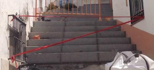 Las obras de rehabilitación del casco antiguo de La Herradura están suprimiendo barreras arquitectónicas