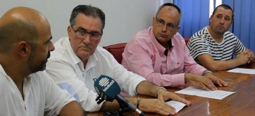 Rueda de prensa del PA Motrileño donde se ha tratado el tema del trabajador despedido por Torraspapel en la factoría de Motril