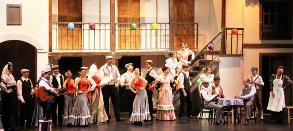 El Teatro Lirico Andaluz llega esta noche llega al parque El Majuelo de Almuñécar