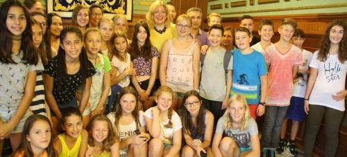 Alunmos alemanes y motrileños con la alcaldesa de Motril