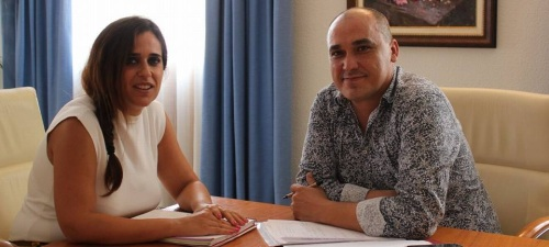 El concejal de Juventud y Asuntos Sociales, Gregorio Morales, con la diputada de Juventud, Irene Justo
