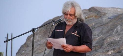 """El sexitano Paco Justo presenta esta tarde su libro """"Versos Mundanos"""""""
