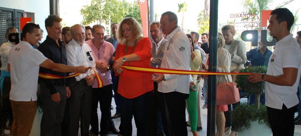 La alcaldesa de Motril inaugura el nuevo centro deportivo Up