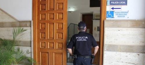 La Policía Local de Motril detiene a tres personas y pone a disposición psiquiátrica a otra en cuatro actuaciones distintas durante el fin de semana
