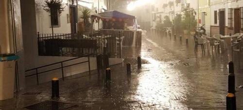 La tormenta de anoche llegó a medir casi 40 litros en algunos puntos del municipio de Almuñécar