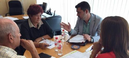 Reunión entre la diputada de Medio Ambiente y Asistencia a Municipios, María Ángeles Blanco, y la delegada de Medio Ambiente de la Junta de Andalucía, Inmaculada Oria