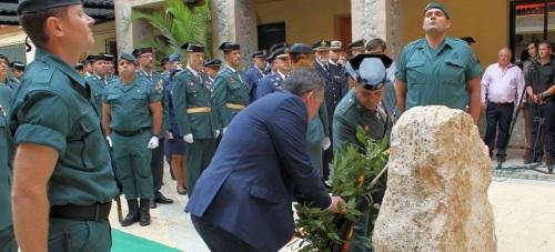 La Guardia Civil celebra el día de su patrona con la entrega de condecoraciones en el cuartel de la avenida de Salobreña