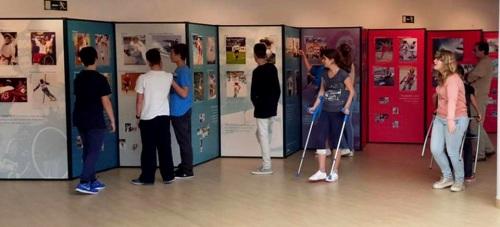 La Herradura acoge dos exposiciones sobre la mujer y el deporte