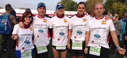 Los atletas sexitanos primeros españoles en la línea de meta de la Royal Parks de Londres