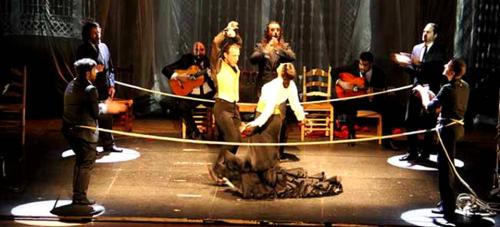 Almuñécar acogió el estreno de 'Reversible' de Manuel Liñán