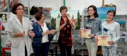 Carmen Venegas y Vanesa Lara ganadoras de las becas del 'II Concurso de Dibujo y Pintura, HelArte'