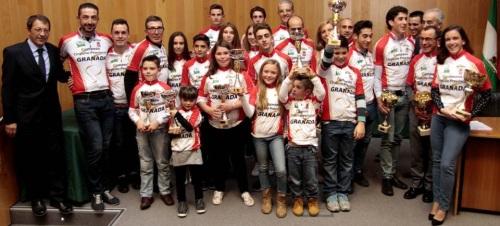 Diputación recibe un premio por su labor de apoyo al ciclismo granadino