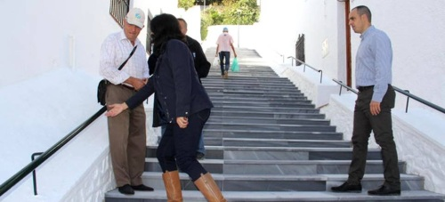 El Ayto. de Almuñécar mejora los accesos al barrio sexitano de Los Marinos