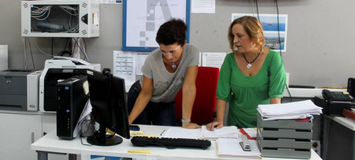 El Centro Guadalinfo de la Villa acoge talleres destinados a mejorar la 'Digitalización de las PYMES'
