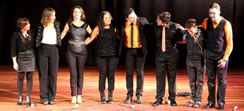El grupo musical 'Sietemasuno' ofreció un bello concierto en Almuñécar
