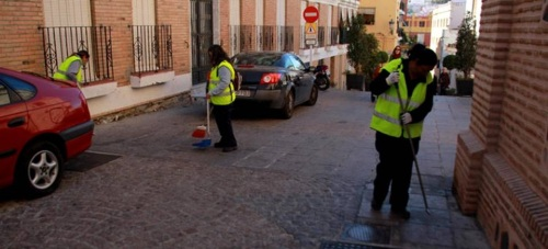 El Plan de Ayuda a la Contratación de la Junta permite contratar 32 personas en Almuñécar