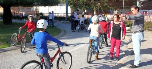 El programa 'Pedaleando y conduce con cabeza' enseña a los más pequeños educación vial