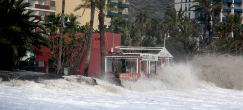 El temporal de levante vuelve a provocar daños en las playas sexitanas2