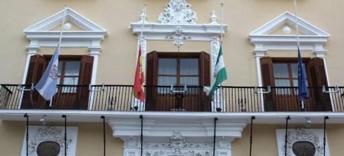 El Ayuntamiento de Motril se solidariza con las víctimas de los atentados de París