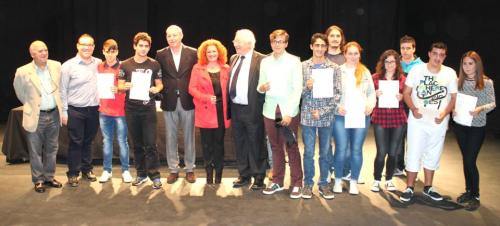 Una veintena de alumnos reciben las primeras certificaciones de Cambridge en Salobreña
