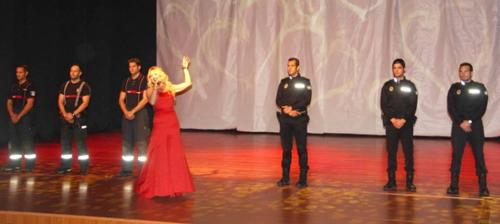 Bomberos y Policías Locales de Almuñécar celebraron con éxito una Gala para ayudar a la joven Sheila