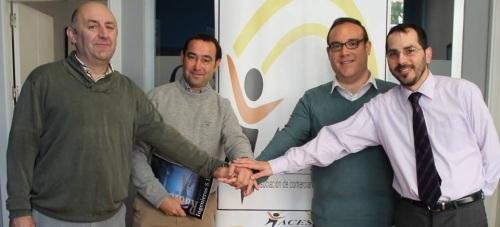 Comercios y empresas de la Villa firman un convenio para la mejora de sus telecomunicaciones