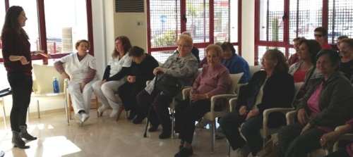 El Ayto. organiza las 'Cenas de Navidad y Fin de Año en Compañía' para mayores que estén solos