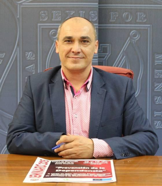 El concejal de Servicios Sociales, Gregorio Morales, en la presentación del seminario2