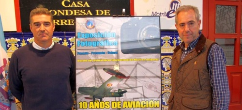 La exposición '10 Años de Aviación en Motril' repasa la historia del 'Festival Aéreo Internacional' de la ciudad