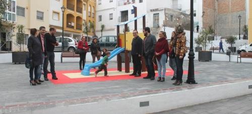 La nueva Plaza 1º de Mayo resuelve las conexiones del casco antiguo con el centro de la Villa