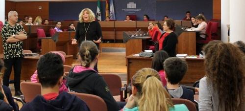 Los escolares motrileños aprenden el funcionamiento y la organización del Ayuntamiento en el 'Pleno Escolar'