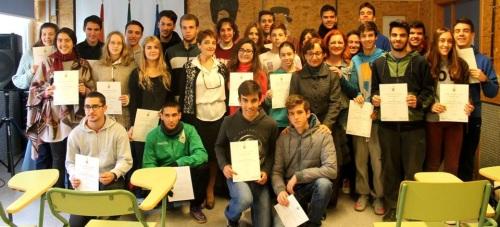 Un total de 38 alumnos del IES Nazarí reciben sus certificaciones de nivel de Inglés por el Trinity College