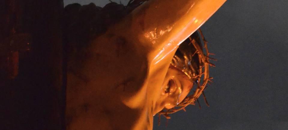 Aires borriquitos y plumas en el Calderón, para los cofrades, en la II Representación del Cartel de Semana Santa de La Chicotá