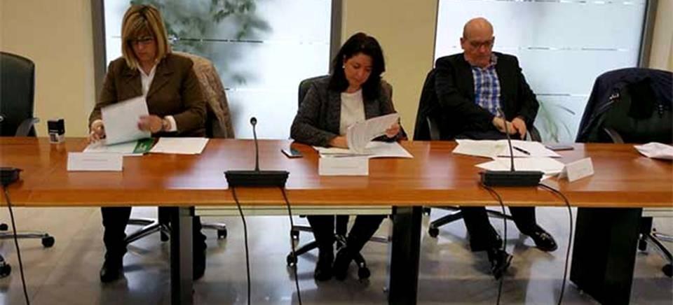 Almuñécar firma con la Junta el convenio para el Programa de Tratamiento de Familias con Menores en situación de riesgo o desprotección