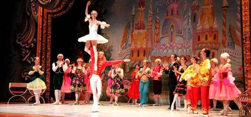 El Ballet Clásico de Rusia cosechó anoche un gran éxito con la representación de 'El Cascanueces'