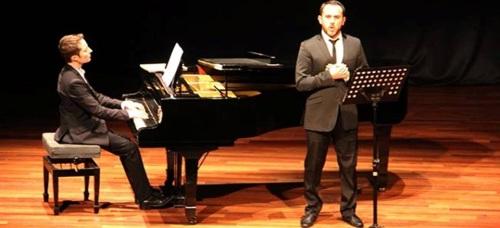 El tenor Moisés Marín García ofreció un gran concierto de ópera alemana en Almuñécar bajo el ciclo 'Europa es Ópera'