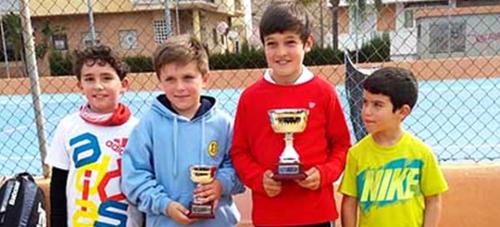 Fernando Durán se proclamó campeón de la primera prueba del VII Circuito Federación de Tenis Benjamín 2016.png