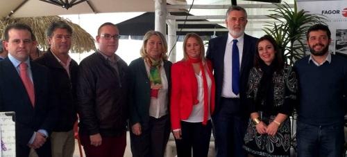 """Francisco Sánchez-Cantalejo y Alicia Crespo destacan que los chiringuitos son """"imprescindibles"""" en la oferta turística de Motril"""