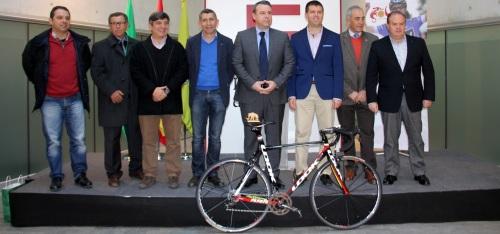 Granada acoge una de las etapas clave de la Vuelta Ciclista a Andalucía