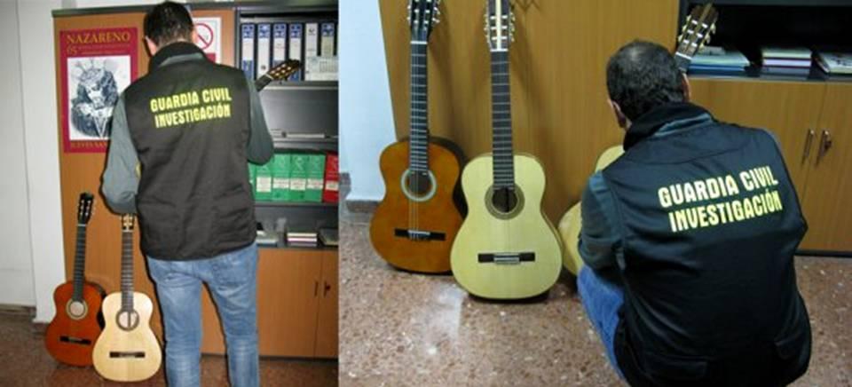 La Guardia Civil de Almuñecar recupera nueve guitarras robadas a un artesano de la localidad