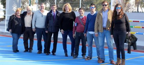 La pista polideportiva de Santa Adela luce nuevo aspecto gracias al 'Plan Urban'