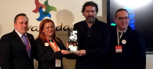 Los galardones 'Sintiendo Salobreña' premia a el diario 'El País'