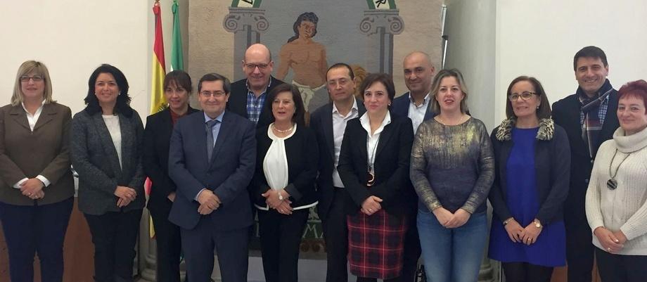 Motril garantiza la continuidad del 'Programa de tratamiento a familias con menores' mediante la firma de un acuerdo