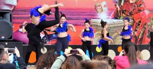 A pesar del viento La Herradura celebró su Carnaval Infantil4