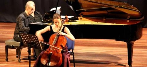 Bello concierto de chelo y piano en la Casa de la Cultura de Almuñécar