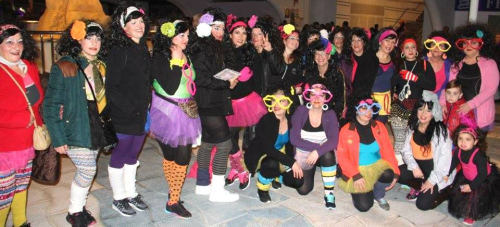 """Concurso de disfraces 'Gran Fiesta del Carnaval' Almuñécar 2016. Accésit """"Las terremoto"""""""