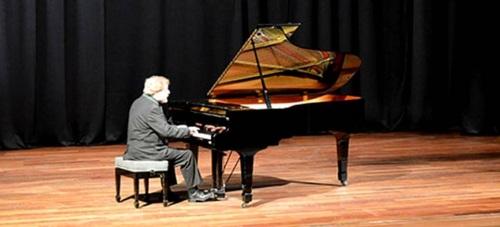 El pianista rumano Alexander Preda dio un magistral concierto en Almuñécar