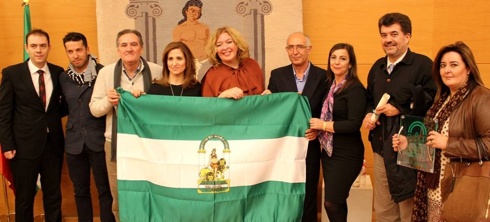 El proyecto 'Aguas Limpias y Solidarias' recibe la bandera de Andalucía